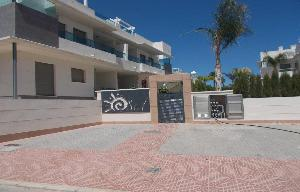Long term Let 2 x Apartments for let in Dona Pepa, Gran Sol