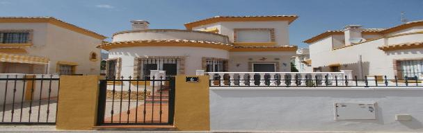 Long term let 3 bedrooms 2 bath with private pool