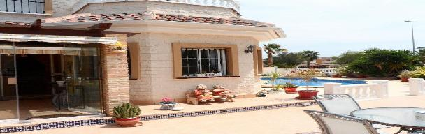 Holiday let 3 bedroom detached villa with private pool