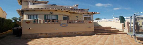 3-4 bedroom detached villa with private pool – Long Term