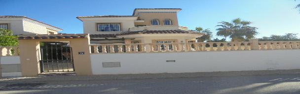 Holiday Let 3 bedroom 2 bath with private pool ref JQ46