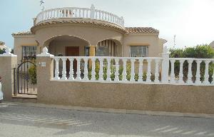 3 bedroom 2 bathroom Bungalow with private pool