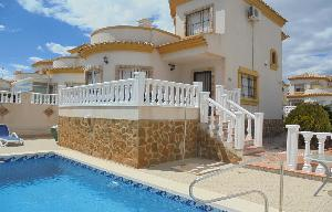 Holiday Let 3 bedroom 2 bathroom villa with Private pool